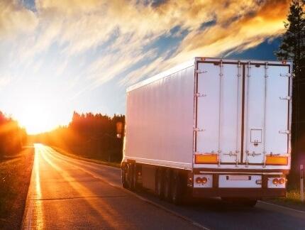 משאית מעיסקת ליסינג נוסעת